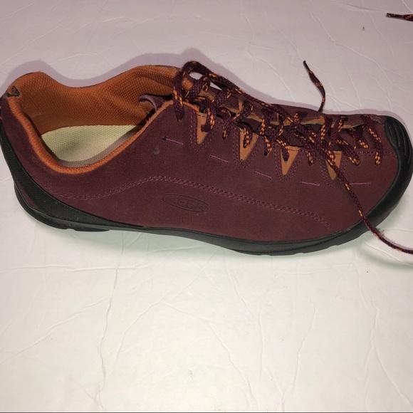 a5891bd9c5980 Keen jasper burgundy suede shoe size 11 sneaker